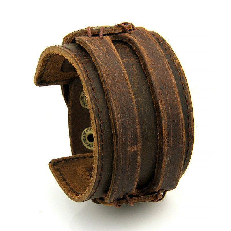 Brett läderarmband i brunt