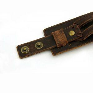 Läderarmband med sliten look and feel